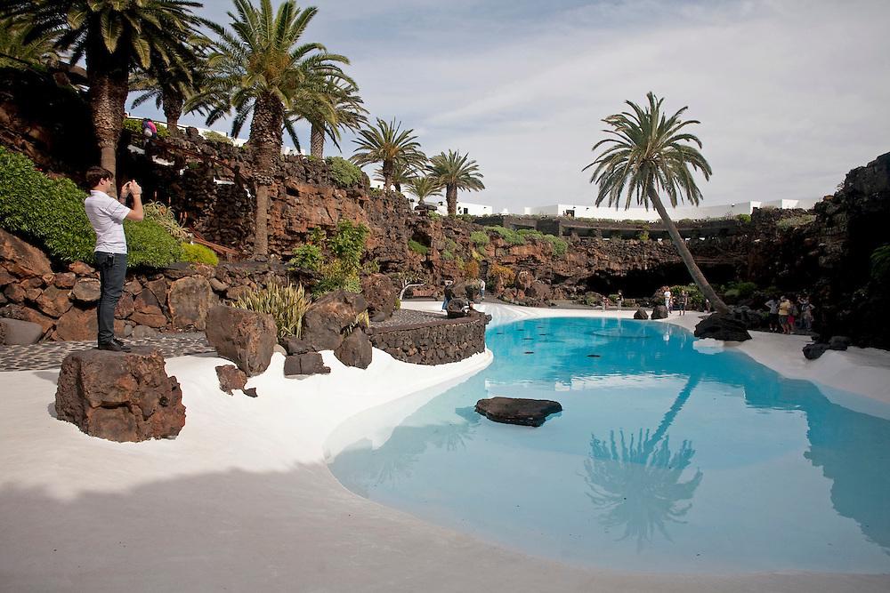 Jameos del agua.  Jameo grande. Espacio creado por el artista y arquitecto Cesar Manrique.  Isla de Lanzarote.
