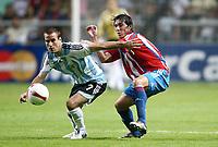 Fotball<br /> Copa America 2007<br /> 05.07.2007<br /> Foto: imago/Digitalsport<br /> NORWAY ONLY<br /> <br /> Argentina v Paraguay<br /> Rodrigo Palacio (Argentinien, li.) gegen Aureliano Torres (Paraguay)