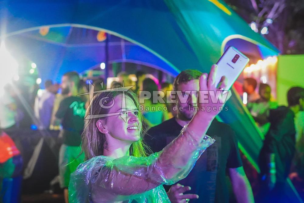 Movimento de Público durante a 24ª edição do Planeta Atlântida. O maior festival de música do Sul do Brasil ocorre nos dias 01 e 02 de fevereiro, na SABA, na praia de Atlântida, no Litoral Norte gaúcho. Foto: Joel Vargas / Agência Preview