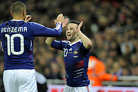 FOOTBALL - INTERNATIONAL FRIENDLY GAME - ENGLAND v FRANCE - 17/11/2010 - PHOTO JEAN MARIE HERVIO / DPPI - JOY MATHIEU VALBUENA (FRA) WITH KARIM BENZEMA AFTER HIS GOAL