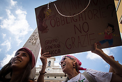 July 24, 2017 - Rome, Italy - Demonstration in front of parliament against the Compulsory vaccination issued by the government. (Credit Image: © Andrea Ronchini/Pacific Press via ZUMA Wire)