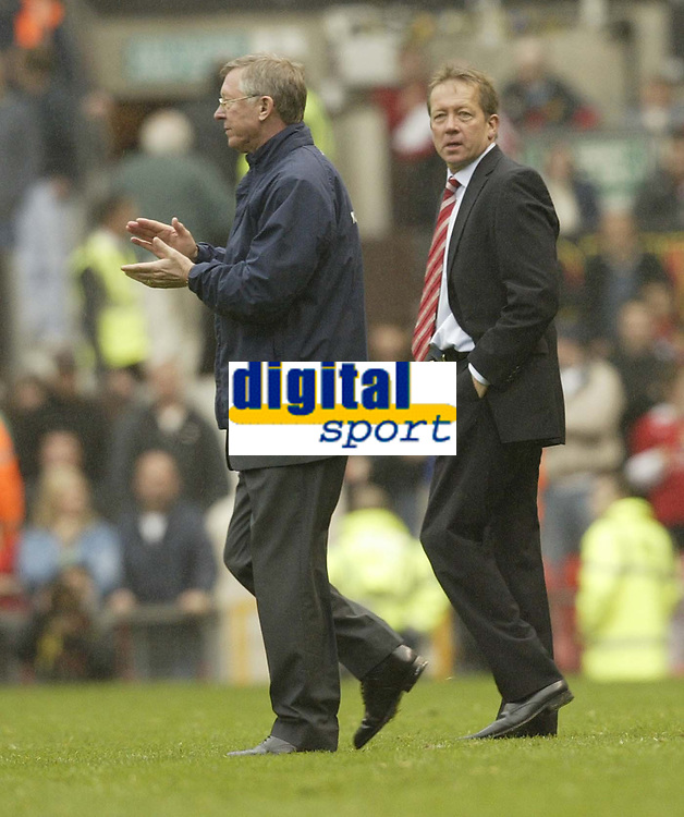 Photo: Aidan Ellis.<br /> Manchester United v Charlton Athletic. The Barclays Premiership. 07/05/2006.<br /> Alex Ferguson and Alan Curbishley at the end of the game
