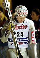 Val di Fiemme/Predazzo.2003-02-22/ Hopp stor bakke K120, Tommy Ingebrigtsen efter 1 hoppet.<br />Foto, Calle Toernstroem