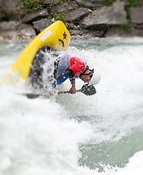 18.06.2010, Drauwalze, Lienz, AUT, ECA Kayak Freestyle European Championships, im Bild Feature Fresstyle Kajak, EXPA Pictures © 2010, PhotoCredit: EXPA/ J. Feichter / SPORTIDA PHOTO AGENCY