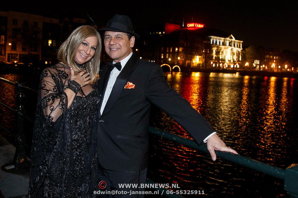 NLD/Amsterdam/20131102 - Barbra & Frank op de Magere Brug in Amsterdam,