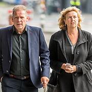 NLD/Amsterdam/20171014 - Besloten erdenkingsdienst overleden burgemeester Eberhard van der Laan, Erik van Muiswinkel en partner Pauline Schoof