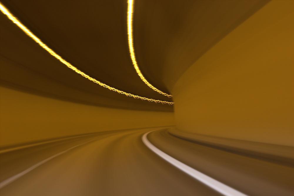 V tunelu nic nestalo. V?echno eremy.