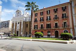 Taranto, Piazza San Giovanni XXIII, Chiesa del Carmine, Caffè Italiano