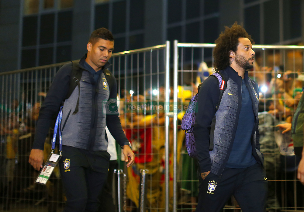 June 25, 2018 - Moscou, Rússia - MOSCOU, MO - 25.06.2018: ARRIVAL OF THE SELECTION IN MOSCOW - Marcelo and Casemiro of the Brazilian Soccer Team arrive with a crowd at the door of the Renaissance hotel in Moscow on Monday (25) (Credit Image: © Rodolfo Buhrer/Fotoarena via ZUMA Press)