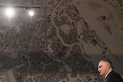 """16.02.2017, Verteidigungsministerium, Wien, AUT, Bundesregierung, Pressekonferenz mit dem Bericht der Task Force Eurofighter, im Bild Bundesminister für Landesverteidigung und Sport Hans Peter Doskozil (SPÖ) // Austrian Minister of Defence and Sport Hans Peter Doskozil during press conference due to the """"Eurofighter Taskforce"""" at defence ministry in Vienna, Austria on 2017/02/16, EXPA Pictures © 2017, PhotoCredit: EXPA/ Michael Gruber"""