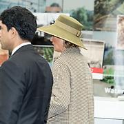 NLD/Bleiswijk/20181122 - Koningin Maxima en president Halimah brengenbezoek aan Horticultural Centre Bleiswijk, Groene Hoed Koningin Maxima