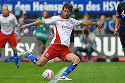 21.08.2010, Imtech Stadion, Hamburg, GER, Hamburger SV  vs Schalke 04 ,  1. FBL 2010  im Bild Einzelaktion Ruud van Nistelrooy (Hamburg #22). EXPA Pictures © 2010, PhotoCredit: EXPA/ nph/  Witke+++++ ATTENTION - OUT OF GER +++++ / SPORTIDA PHOTO AGENCY