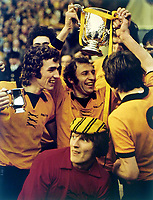 Fotball<br /> Wolverhampton<br /> Englands stolthet<br /> Foto: Colorsport/Digitalsport<br /> NORWAY ONLY<br /> <br /> Mike Bailey (Wolves Captain) with the trophy. League Cup Final 1974 @ Wembley. Wolverhampton Wanderers v Manchester City. 2/3/74.