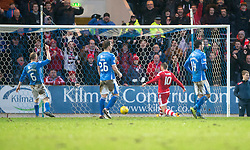 Aberdeen's Niall McGinn scoring their third goal. <br /> St Johnstone 3 v 4Aberdeen, SPFL Ladbrokes Premiership played 6/2/2016 at McDiarmid Park, Perth.