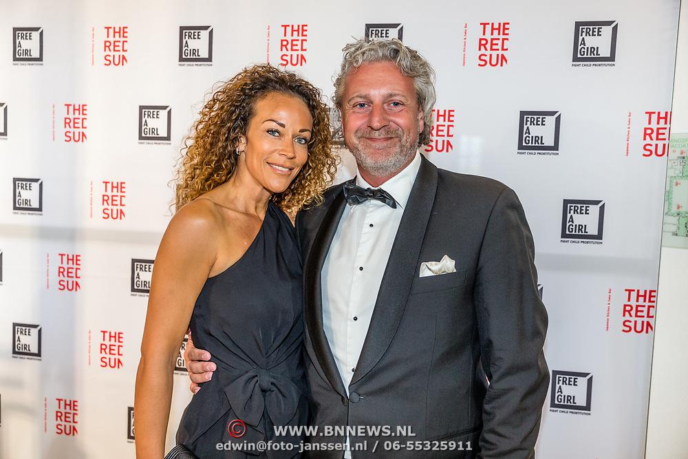 NLD/Amsterdam//20170410 - Free a Girl Celebrity Night, Marc Teurlings en partner Yvette
