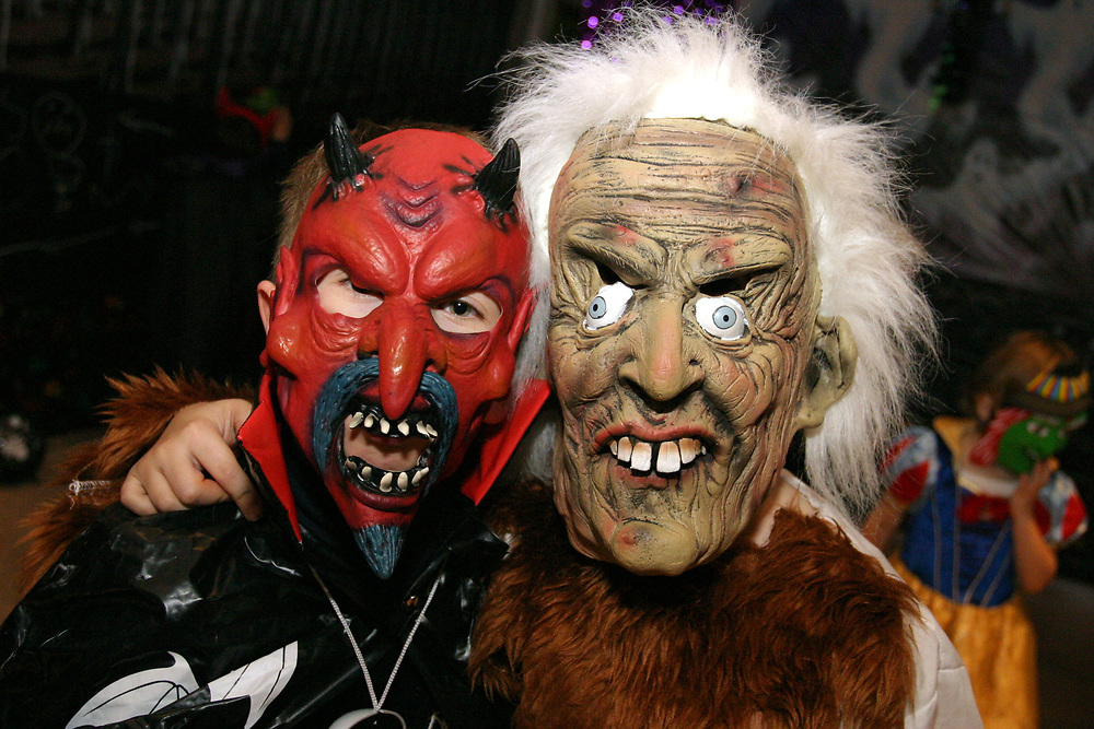 Children dressing up on Halloween
