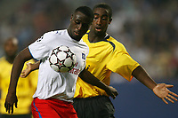 Fotball<br /> Foto: Witters/Digitalsport<br /> NORWAY ONLY<br /> <br /> 13.09.2006<br /> <br /> v.l. Boubacar Sanogo, Johan Djourou Arsenal<br /> <br /> Champions League Hamburger SV - Arsenal London
