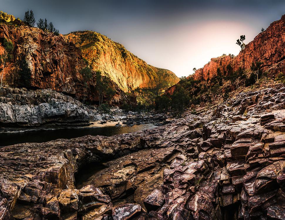 Sunrise over Ormiston Gorge in Australias Red Center.