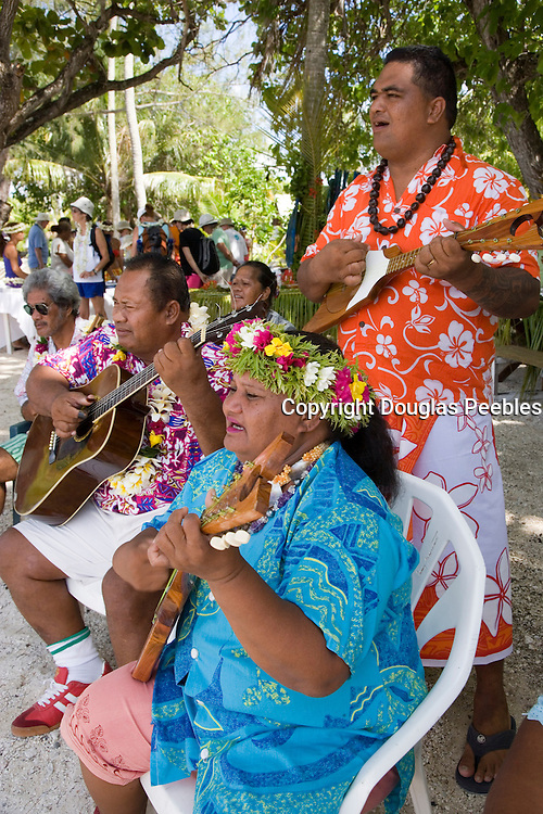 Music, Takapoto, Tuamotu Islands, French Polynesia, (Editorial use only)<br />
