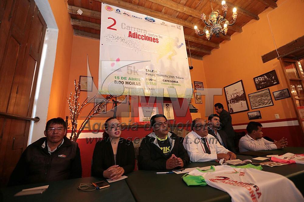 Toluca, México.- (Marzo 01, 2018).- En conferencia de prensa fueron dados a conocer los pormenores de la Segunda Carrera Contra las Adicciones, que se realizara el próximo 15 de abril en el Parque Alameda 2000. Agencia MVT / Crisanta Espinosa.