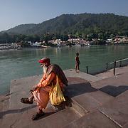 2016 10 14 Rishikesh Uttarakhand Indien<br /> En helig man vid Ganges<br /> <br /> ----<br /> FOTO : JOACHIM NYWALL KOD 0708840825_1<br /> COPYRIGHT JOACHIM NYWALL<br /> <br /> ***BETALBILD***<br /> Redovisas till <br /> NYWALL MEDIA AB<br /> Strandgatan 30<br /> 461 31 Trollhättan<br /> Prislista enl BLF , om inget annat avtalas.