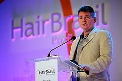 O cônsul geral dos Estados Unidos em São Paulo, Dennis Hankins durante a solenidade de abertura da Hair Brasil 2013 - 12 ª Feira Internacional de Beleza, Cabelos e Estética, que acontece de 06 a 09 de abril no Expocenter Norte, em São Paulo. FOTO: Jefferson Bernardes/Preview.com