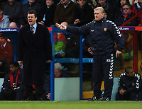 Photo: Javier Garcia/Back Page Images Mobile 07887 794393<br />03/01/2005 Crystal Palace v Aston Villa, FA Barclays Premiership, Selhurst Park<br />A frustrating afternoon for David O'Leary, left and Roy Aitken