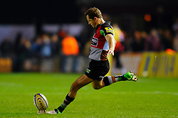 Harlequins Fly-Half (#10) Nick Evans kicks his conversion during the first half of the match - Photo mandatory by-line: Rogan Thomson/JMP - Tel: Mobile: 07966 386802 03/11/2012 - SPORT - RUGBY - Twickenham Stoop - London. Harlequins v Gloucester - Aviva Premiership