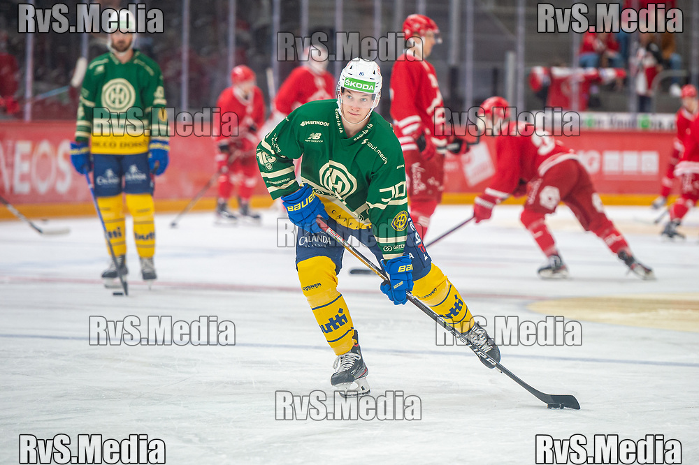 LAUSANNE, SWITZERLAND - SEPTEMBER 24: Raphael Prassl #81 of HC Davos warms up prior the Swiss National League game between Lausanne HC and HC Davos at Vaudoise Arena on September 24, 2021 in Lausanne, Switzerland. (Photo by Monika Majer/RvS.Media)