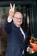 80e verjaardag van Prof. mr. Pieter van Vollenhoven in theater Figi in Zeist<br /> <br /> 80th birthday of Prof. dr. Pieter van Vollenhoven in the Figi theater in Zeist<br /> <br /> Op de foto / On the photo:  Prof. mr. Pieter van Vollenhoven