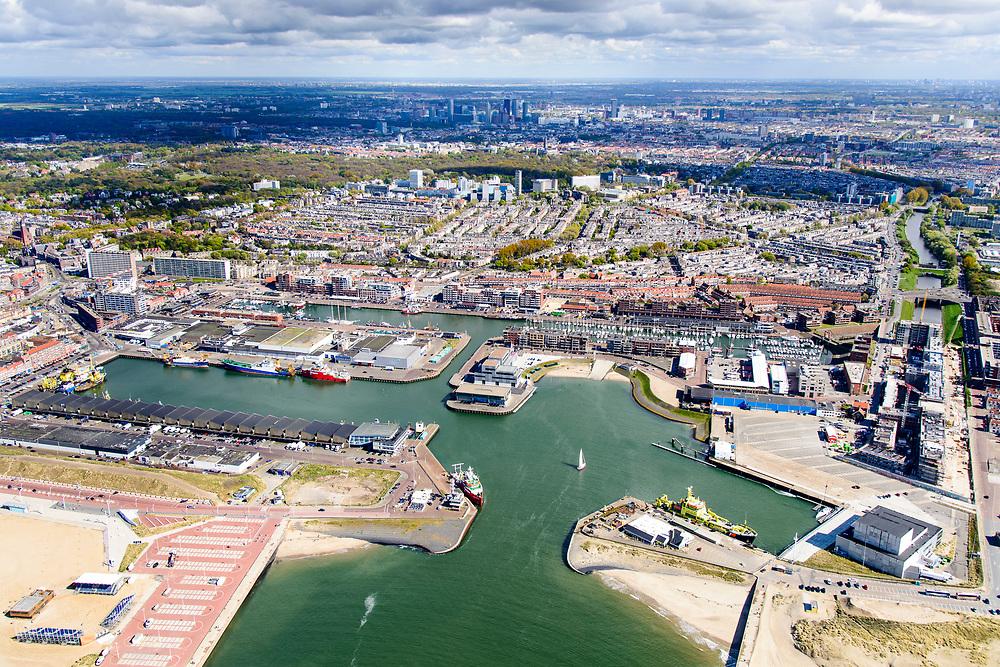 Nederland, Zuid-Holland, Scheveningen, 28-04-2017; Haven van Scheveningen, Scheveningen harbour. Havenkwartier, of Vissershaven,<br /> <br /> luchtfoto (toeslag op standard tarieven);<br /> aerial photo (additional fee required);<br /> copyright foto/photo Siebe Swart