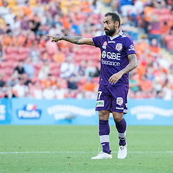 BRISBANE, AUSTRALIA - OCTOBER 30: Diego Castro of the Glory gives instructions during the round 4 Hyundai A-League match between the Brisbane Roar and Perth Glory at Suncorp Stadium on October 30, 2016 in Brisbane, Australia. (Photo by Patrick Kearney/Brisbane Roar)