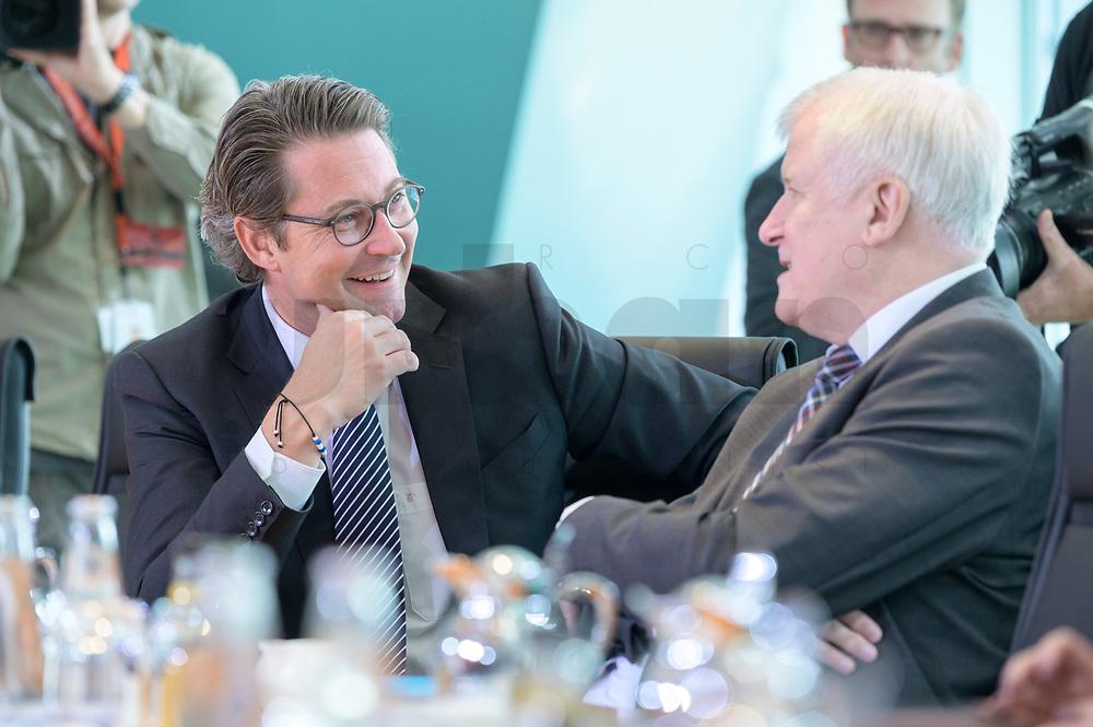 09 OCT 2019, BERLIN/GERMANY:<br /> Andreas Scheuer (L), CSU, Bundesverkehrsminister, und Horst Seehofer (R), CSU, Bundesinnenminister, im Gespraech, vor Beginn der Kabinettsitzung, Bundeskanzöeramt<br /> IMAGE: 20191009-01-006<br /> KEYWORDS: Sitzung, Kabinett, Gespräch