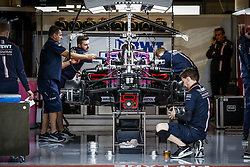 October 18, 2018 - Austin, United States - The Racing Point Force India, mechanics working on the car in the garage, box, during the 2018 Formula One World Championship, United States of America Grand Prix from october 18 to 21 in Austin, Texas, USA -  /   Motorsports: FIA Formula One World Championship; 2018; Grand Prix; United States, FORMULA 1 PIRELLI 2018 UNITED S GRAND PRIX , Circuit of The Americas  (Credit Image: © Hoch Zwei via ZUMA Wire)