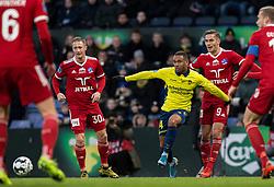 Kevin Mensah (Brøndby IF) og Lasse Fosgaard (Lyngby BK) under kampen i 3F Superligaen mellem Brøndby IF og Lyngby Boldklub den 1. marts 2020 på Brøndby Stadion (Foto: Claus Birch).
