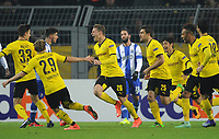 Fotball<br /> Tyskland<br /> 18.02.2016<br /> Foto: Witters/Digitalsport<br /> NORWAY ONLY<br /> <br /> 1:0 Jubel v.l. Julian Weigl, Marcel Schmelzer, Torschuetze Lukasz Piszczek, Sokratis Papastathopoulos, Shinji Kagawa, Pierre-Emerick Aubameyang (Dortmund)<br /> Dortmund, 18.02.2016, Fussball, Europa League, Zwischenrunde Hinspiel, Borussia Dortmund - FC Porto