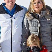AUD/Lech/20110219 - Fotosessie Nederlandse Koninklijke Familie 2011 op wintersport in Lech, Willem Alexander en partner Maxima,