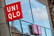 Nederland, Amsterdam, 28-09-2018<br /> In Amsterdam opent de Japanse modeketen UNIQLO haar eerste vestiging in Nederland. Het bedrijf wordt gezien als de Japanse H&M.<br /> <br /> In Amsterdam Uniqlo opens its first store in The Netherlands. The Japanese fashion brand is seen as the Japanese H&M.<br /> Foto: Bas de Meijer / De Beeldunie