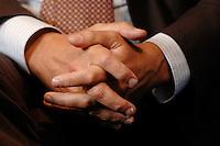 16 NOV 2006, BERLIN/GERMANY:<br /> haende von Frank Bsirske, Vorsitzender der Gewerkschaft ver.di, Vereinte Dienstleistungsgewerkschaft, waehrend einem Interview, in seinem Buero, Ver.di Bundesverwaltung<br /> IMAGE: 20061116-01-007<br /> KEYWORDS: Hände, Hand