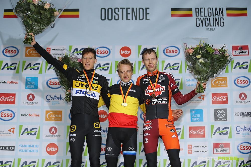 BELGIUM / BELGIE / BELGIQUE / OOSTENDE / CYCLING / WIELRENNEN / CYCLISME / BELGISCH KAMPIOENSCHAP / CHAMPIONNAT DE BELGIQUE / BELGIAN CHAMPIONSHIPS / CYCLOCROSS / U23 / BELOFTEN / ESPOIRS / PODIUM / (L-R) CLEPPE NICOLAS (TELENET - FIDEA LIONS) / HERMANS QUINTEN (TELENET - FIDEA LIONS) / PEETERS YANNICK (SAUSEN PAUWELS - VASTGOEDSERVICE) /