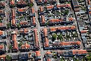 Nederland, Noord-Holland, Haarlem, 12-05-2009; Leidsebuurt, 19e-eeuwse arbeiderswijk, pannendaken, schuurtjes, tuinen .Swart collectie, luchtfoto (toeslag); Swart Collection, aerial photo (additional fee required).foto Siebe Swart / photo Siebe Swart