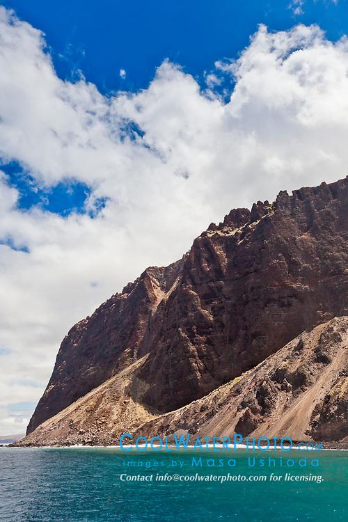 Kaholo Pali sea cliff , 194 feet (59.13m) high, South Lanai, Lanai aka Pineapple Island because of its past as an island-wide pineapple plantation of Dole, the sixth-largest island of the Hawaiian Islands, Hawaii, USA, Pacific Ocean