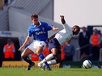 Fotball<br /> Premier League 2004/05<br /> Birmingham v Tottenham<br /> 2. april 2005<br /> Foto: Digitalsport<br /> NORWAY ONLY<br /> MATTHEW UPSON BIRMINGHAM & JERMAINE DEFOE TOTTENHAM