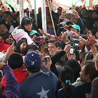 """Tecámac, Mex.-  Enrique Peña Nieto, candidato a la presidencia por la coalición """"Compromiso por México""""  realizo su cierre de campaña estatal en Tecámac, invito a los simpatizantes a ir a votar el 1 de julio confiando en su proyecto. Agencia MVT / José Hernández. (DIGITAL)<br /> <br /> NO ARCHIVAR - NO ARCHIVE"""