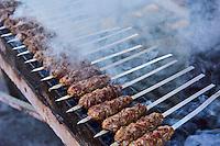 Ouzbekistan, region de Fergana, Marguilan, bazar, marché, shashlik ou brochette de viande // Uzbekistan, Fergana region, Marguilan, bazaar, market, shashlik, kebab