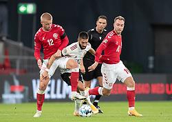Yannick Carrasco (Belgien) presses af Kasper Dolberg og Christian Eriksen (Danmark) under UEFA Nations League kampen mellem Danmark og Belgien den 5. september 2020 i Parken, København (Foto: Claus Birch).