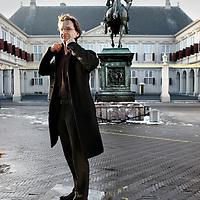 Nederland, Den Haag , 14 januari 2010..Ronald van Raak van de SP houdt zich binnen de Tweede Kamer bezig met Binnenlandse zaken, Antilliaanse zaken, Koningshuis en Algemene Zaken...Foto:Jean-Pierre Jans