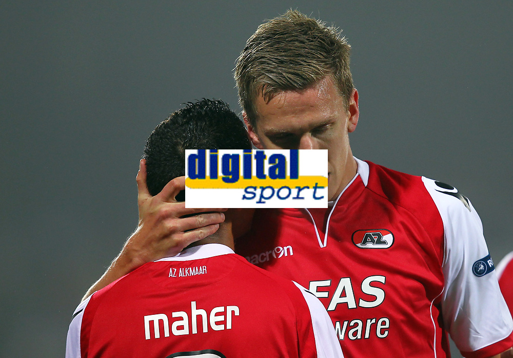 Fotball<br /> Østerrike<br /> Foto: Gepa/Digitalsport<br /> NORWAY ONLY<br /> <br /> 03.11.2011<br /> UEFA Europa League, Gruppenphase, FK Austria Wien vs AZ Alkmaar<br /> <br /> Bild zeigt Adam Maher und Pontus Wernbloom (Alkmaar).