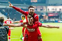 ALMELO, 13-02-2016, Heracles Almelo - AZ,  Polman Stadion, juichen na afloop, AZ speler Markus Henriksen, AZ speler Alireza Jahanbakhsh, juicht.