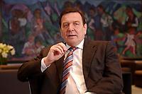 09 JAN 2002, BERLIN/GERMANY:<br /> Gerhard Schroeder, SPD, Bundeskanzler, waehrend einem Interiew, in seinem Buero, Bundeskanzleramt<br /> Gerhard Schroeder, SPD, Federal Chancellor of Germany, during an interview, in his office<br /> IMAGE: 20020109-02-007<br /> KEYWORDS: Gerhard Schröder